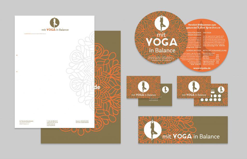 Corporate Designentwicklung für ein Yogastudio in Gold und Orange